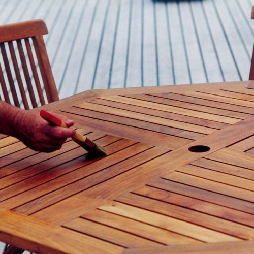 Deks Olje D1 being used on garden furniture