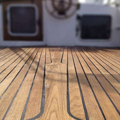 Close up of a boat deck with Deks Ole D1 applied