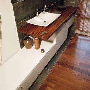Deks Olje D1 applied in a bathroom