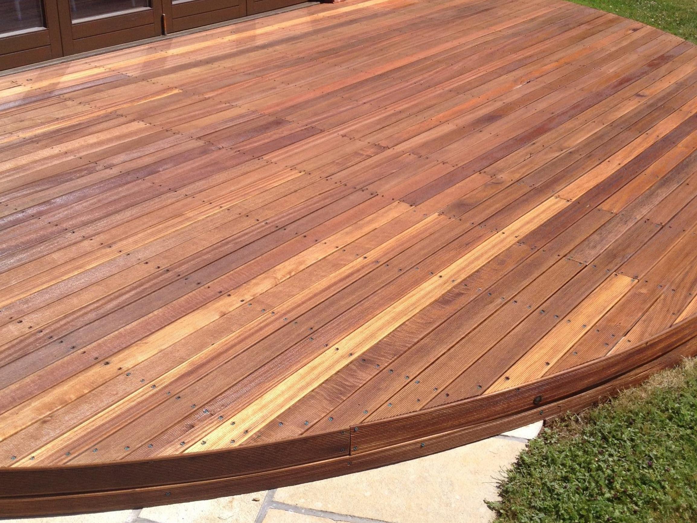 Textrol applied to garden deck by R&A Pressure Washing Services Ltd.