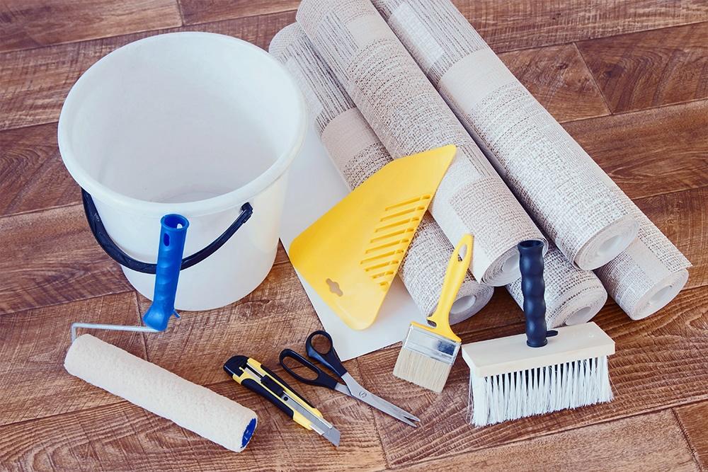 Various wallpapering tools